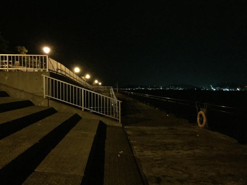 神戸空港ベランダ(西方面)