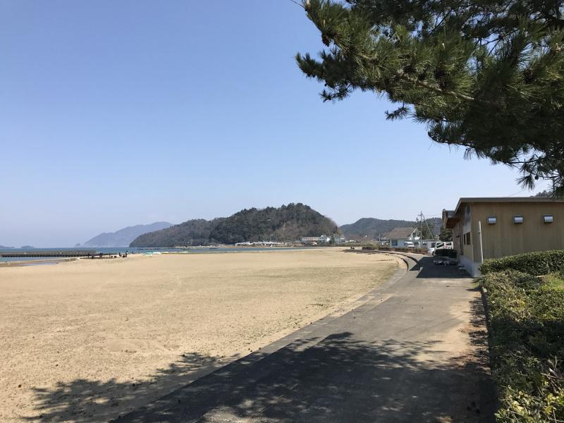 鯉川海水浴場側