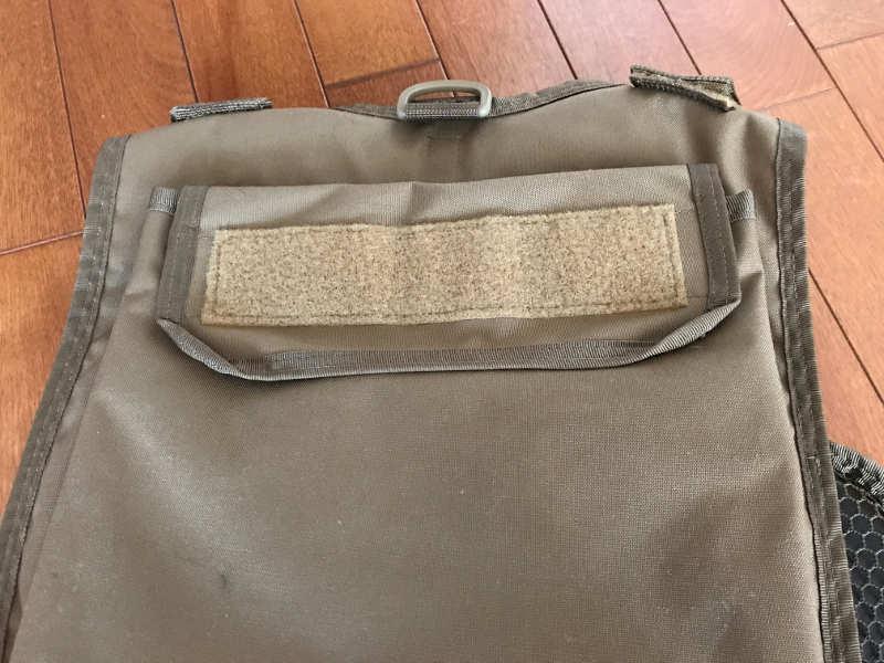 サブロック v-one vest:背面ポケット(1)