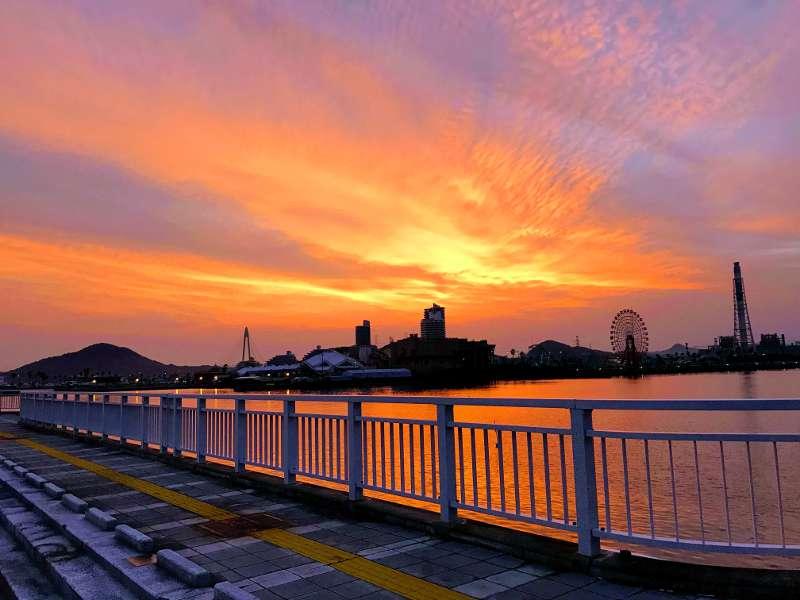 和歌山マリーナシティ大波止 朝焼けが綺麗でした