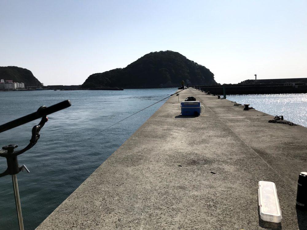 すさみ漁港の堤防