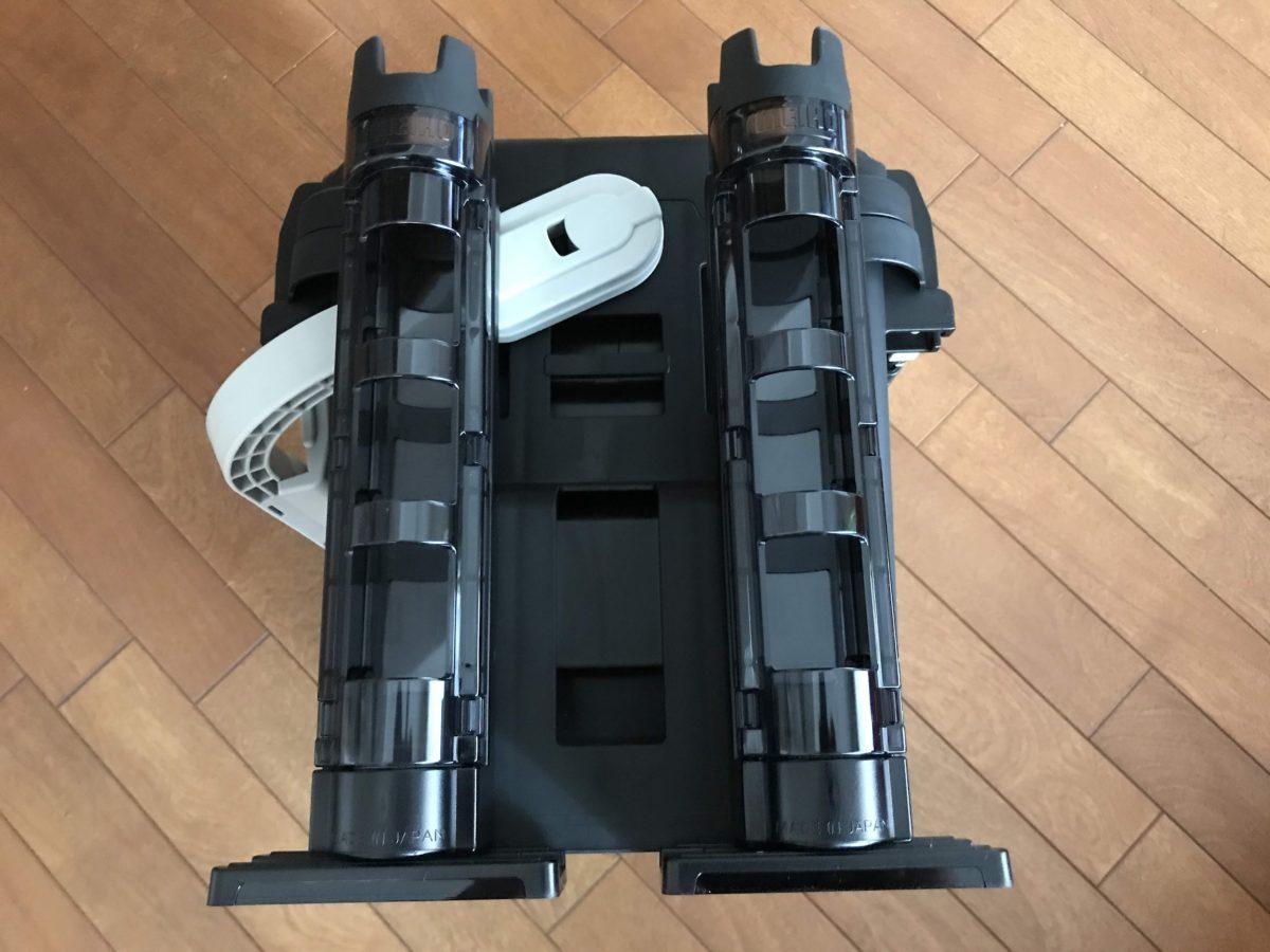 ロッドホルダー2本装備。