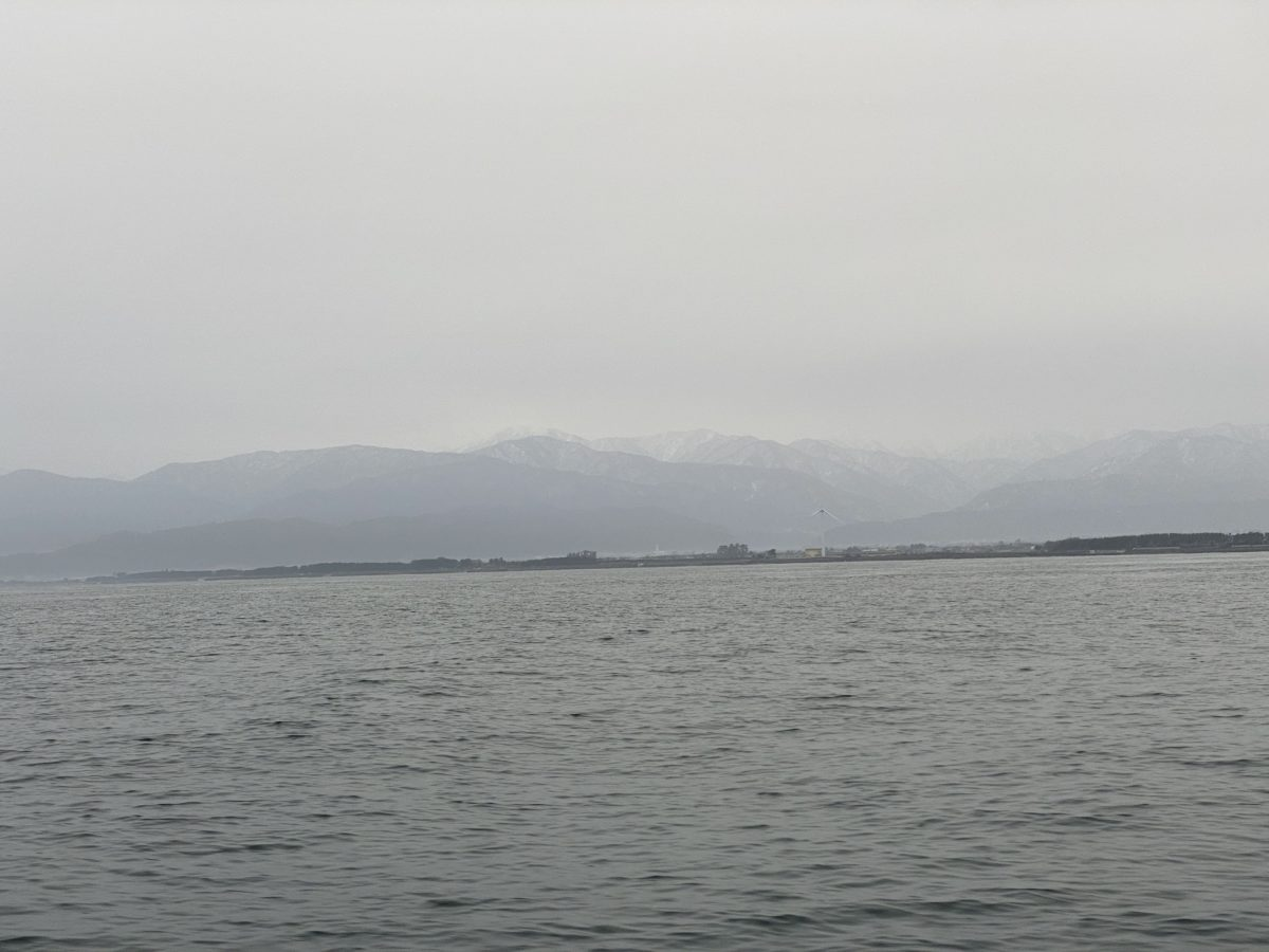 立山がうっすら見えます